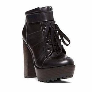 Steve Madden Deluxe Shoe